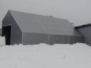 hala w zimie